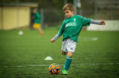 mały piłkarz