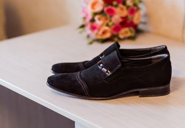 czyszczenie butów welurowych