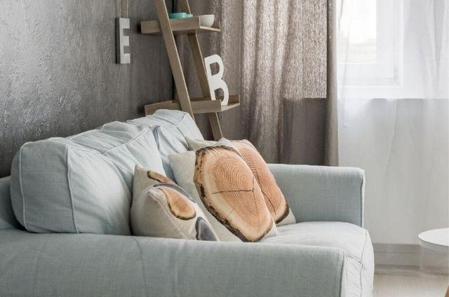 gdzie ustawić sofy z pojemnikiem w salonie?