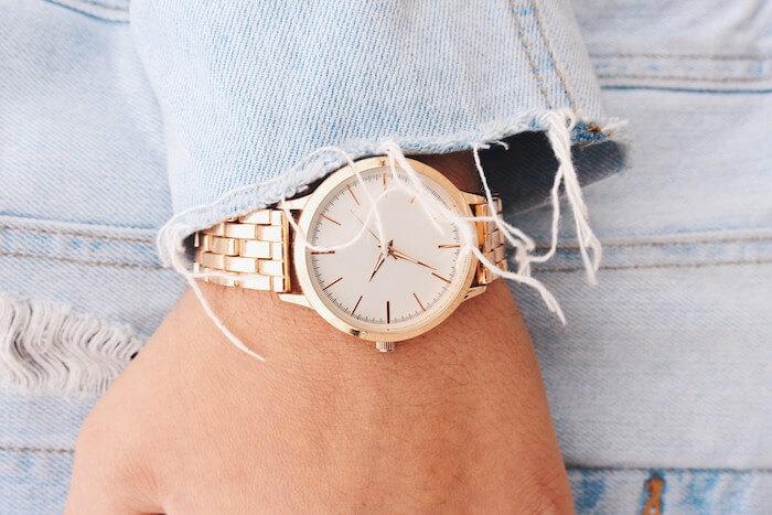 Jak wybrać zegarek damski? Poradnik