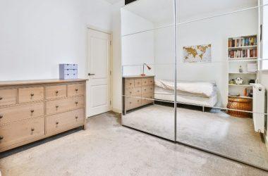Lustrzane szafy na wymiar przesuwne - idealne do każdej sypialni