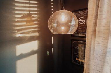 lampy kule do salonu jak czyścic szklany klosz lampy